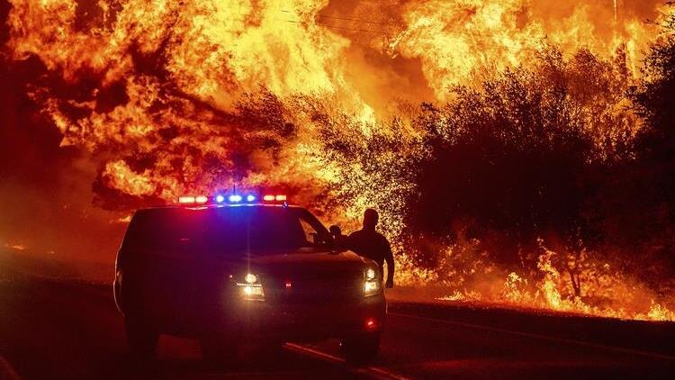 ABD'de orman yangınları söndürülemiyor: Ölü sayısı 15'e yükseldi