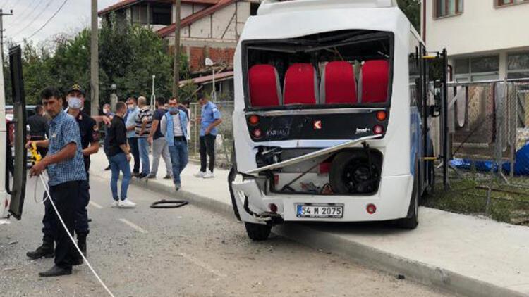 Akyazı'da zincirleme kaza: 17 yaralı