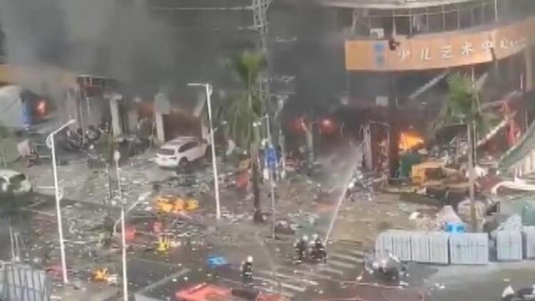 Çin'de otelde doğalgaz patlaması