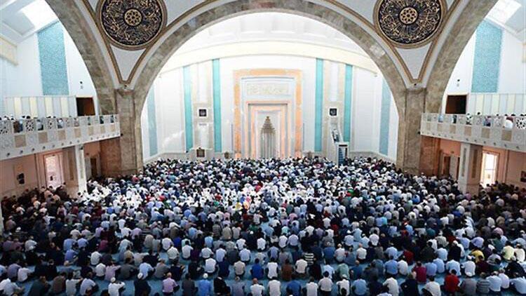 Diyanet'ten 'din istismarı'na karşı cuma hutbesi