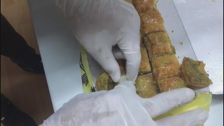 Otogarda baklava arasından uyuşturucu çıktı