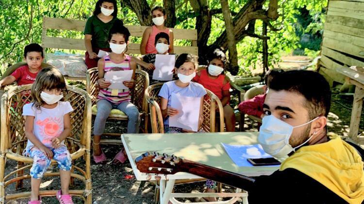 Köy çocuklarına 'abi' desteği