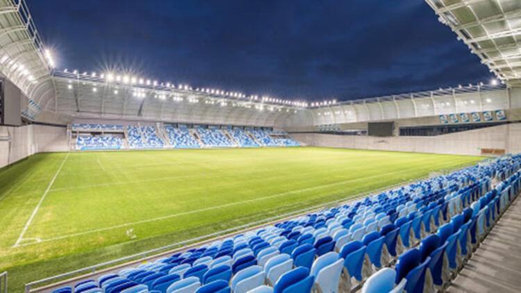 Salgının gölgesinde futbol: 21 takımlı ama seyircisiz