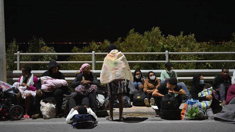 Moria yangınındaki sığınmacılar Avusturya'da iktidarı ikiye böldü