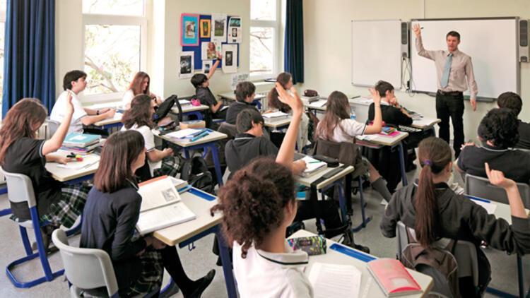 İtalya'da 5,6 milyon öğrenci yarın ders başı yapacak