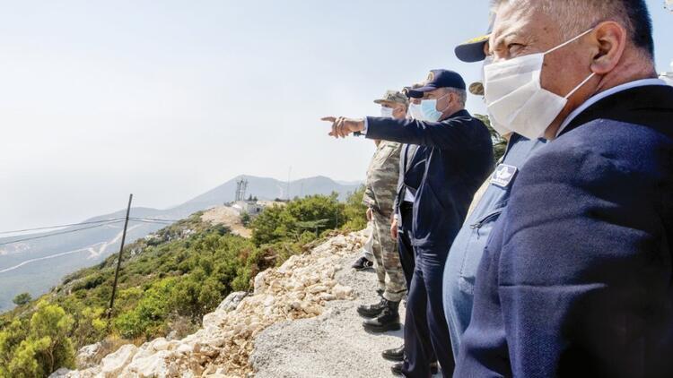 Savunma Bakanı Akar Kaş'tan barış mesajı verdi