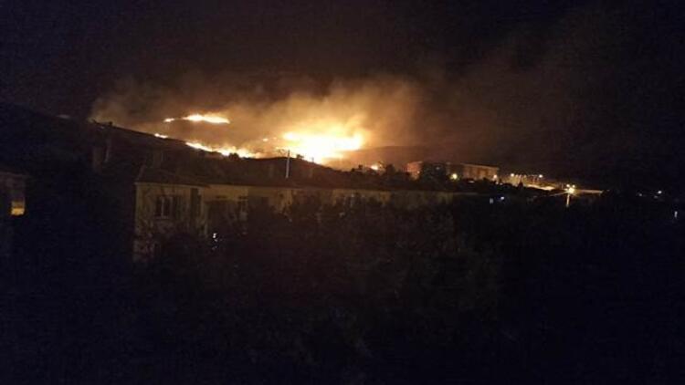 Gökçeada'da mera yangını! Ekipler müdahale ediyor