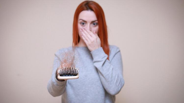 Saç dökülmesi neden olur ve nasıl önlenir?