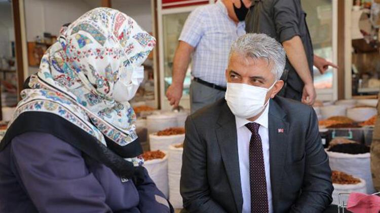 Erzincan Valisi sokağa indi, 65 yaş ve üzeri vatandaşları uyardı