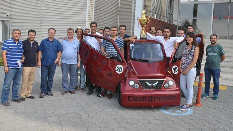 Öğrencilerin geliştirdiği elektrikli otomobile Teknofest'ten ödül