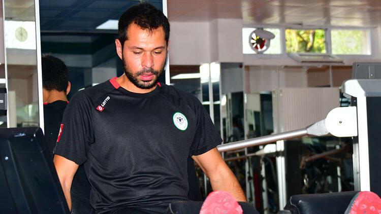 Konyaspor'da İsmail Kartal, Serkan Kırıntılı'yı affetti