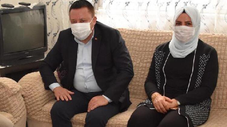 Belediye Başkanı,eşinin testi pozitif çıkınca kendisini izole etti