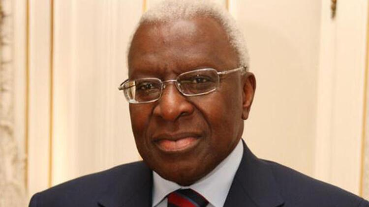 Eski IAAF Başkanı Lamine Diack'a yolsuzluktan hapis cezası
