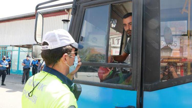 Adana'da toplu taşıma araçları ile iş yerlerinde koronavirüs denetimi