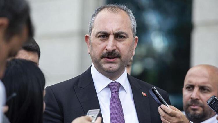 Adalet Bakanı Abdulhamit Gül'den Yunanistan'daki alçak manşete sert tepki