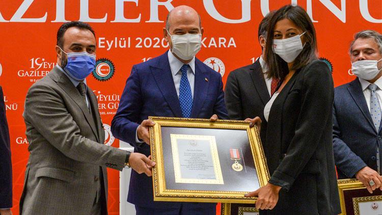 Hande Fırat'a Üstün Cesaret Ödülü