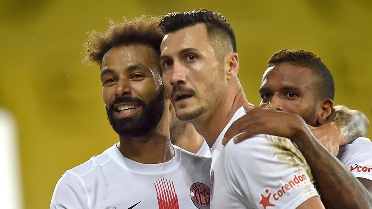 Son Dakika   Antalyaspor Başkanı Ali Şafak Öztürk: Nazım Sangare için Fenerbahçe ile anlaştık