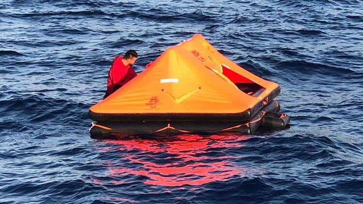 Muğla'da Türk kara sularına itilen 11 kişi kurtarıldı