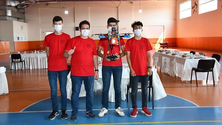 Sivaslı öğrenciler İHA geliştirdi, TEKNOFEST'te Türkiye birincisi oldu