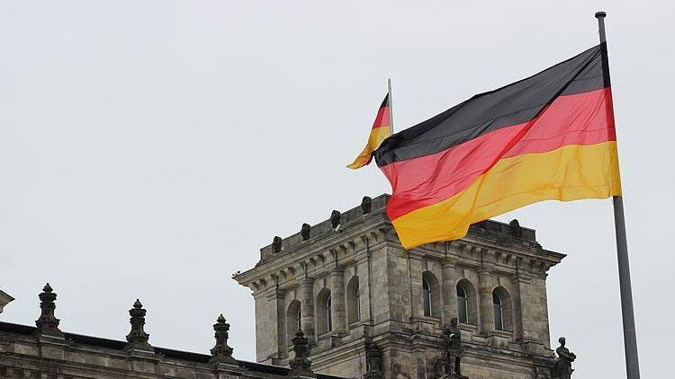 """Almanya'da kamu çalışanları """"uyarı grevi"""" yaptı"""