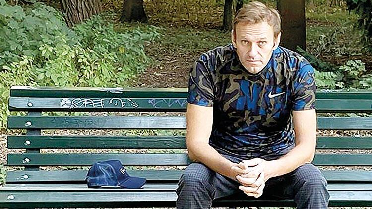 Rus muhalif taburcu oldu