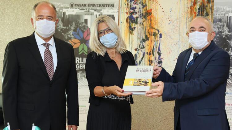 Yaşar Üniversitesi'nden çifte uluslararası iş birliği