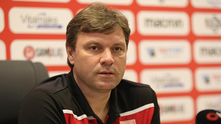 Samsunspor Teknik Direktörü Sağlam: 'Hem rakiplerle hem de Kovid-19 ile mücadele ediyoruz'
