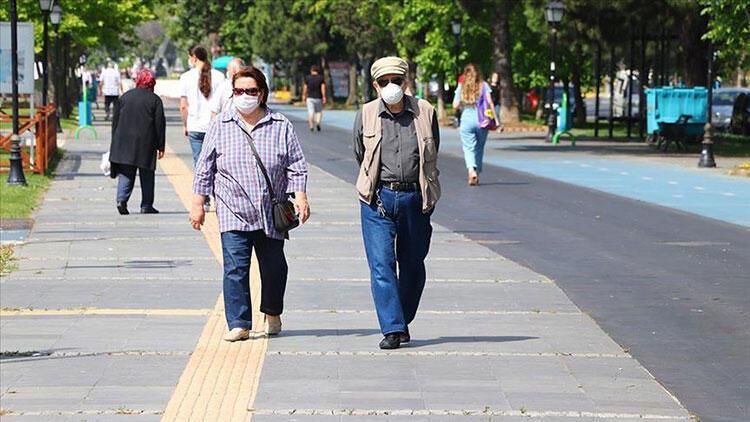 Valilik duyurdu! O ilde 65 yaş üstüne sokağa çıkma kısıtlaması