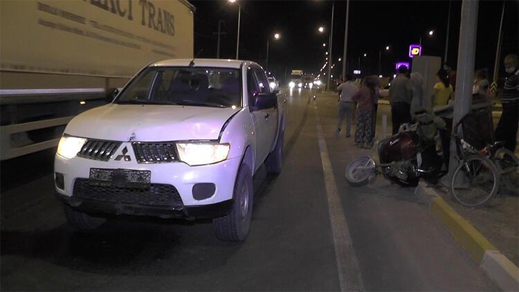 Kamyonet ile elektrikli bisiklet çarpıştı: 2 yaralı