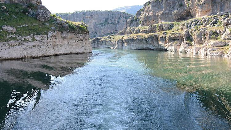 Karasu Nehrinden ekonomiye enerji akıyor
