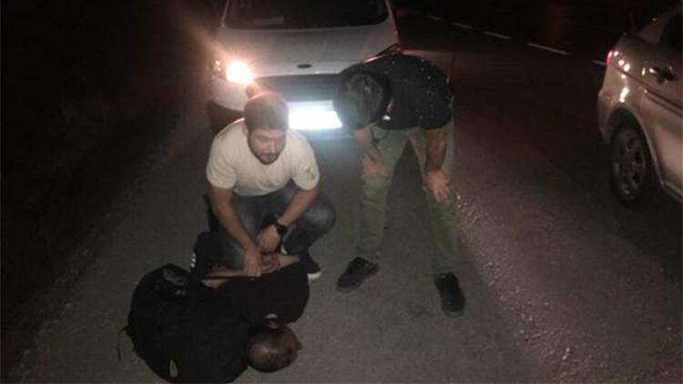 Balıkesirde emekli öğretmeni dolandırarak 150 bin lirasını alan 3 kişi yakalandı