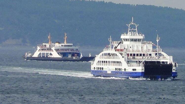 Gökçeadada bazı feribot seferleri fırtına nedeniyle iptal edildi