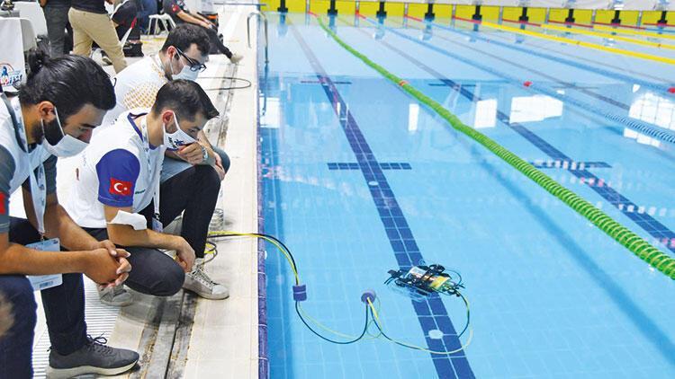 Teknofest'in ikinci gününde genç yarışmacılar hünerlerini sergiledi... Sualtında  teknolojik şov