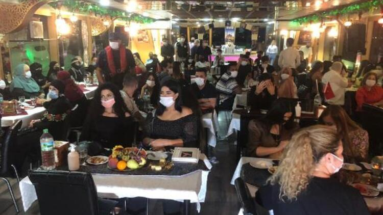 İstanbul Boğazı'nda teknelere koronavirüs denetimi