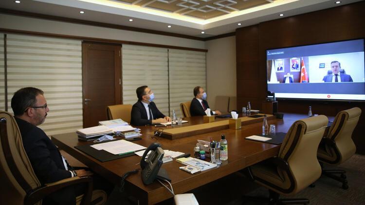 Bakan Kasapoğlu, WADA Başkanı Witold Banka ile görüştü