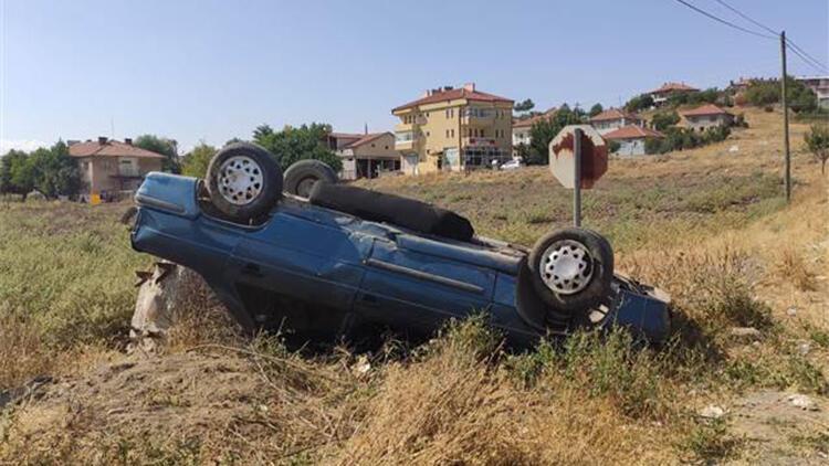 Gemerek'te otomobil takla attı: 2 yaralı