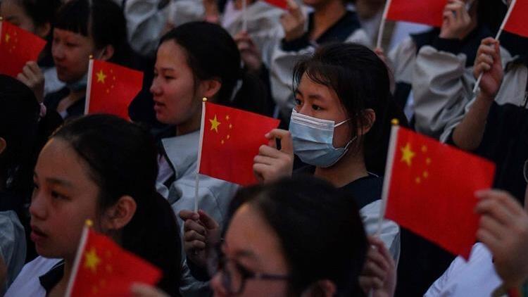 Çinden ABDye sert tepki: Bizi bırakıp salgınla ilgilensinler