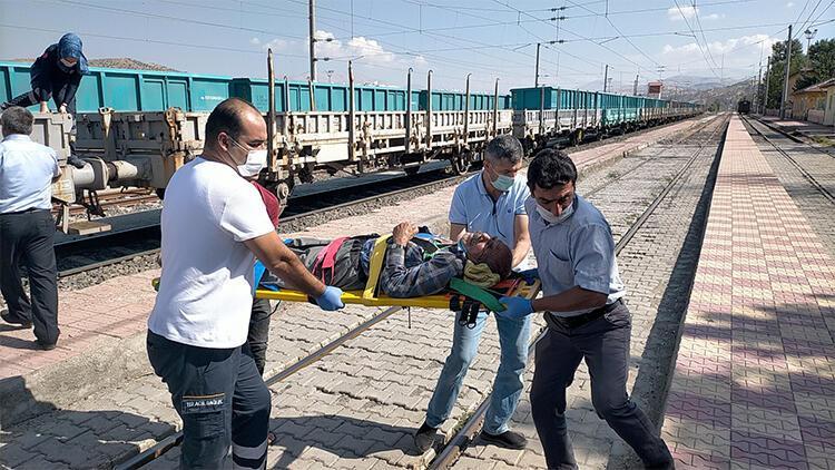 Yaralıyı yük treniyle ambulansa ulaştırdılar
