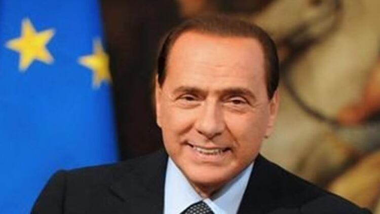 Berlusconinin Kovid-19 testi bir kez daha pozitif çıktı
