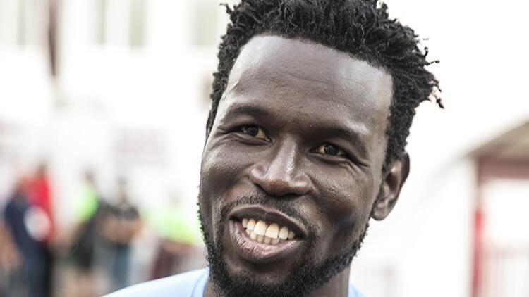Atakaş Hataysporlu futbolcu Diouf: 'İnanılmaz yardım ettiler'