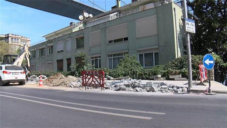 Sarıyer'de kaldırıma araçlar için cep yapımına isyan nöbeti