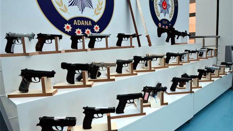 Adana'da aranan 202 kişi yakalandı, ruhsatsız silahlar ele geçirildi