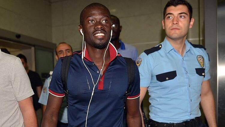 Transferde son dakika: Eski Galatasaray ve Trabzonsporlu Ndiaye İstanbul'da
