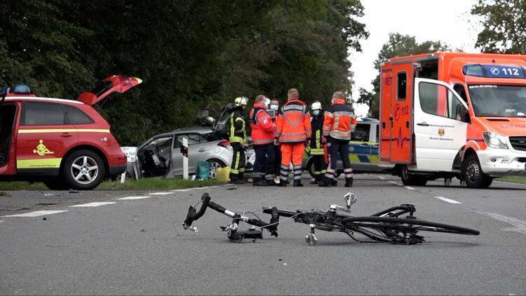 Ağaca çarparak durabildi.. 1 kişi öldü 4 kişi yaralandı