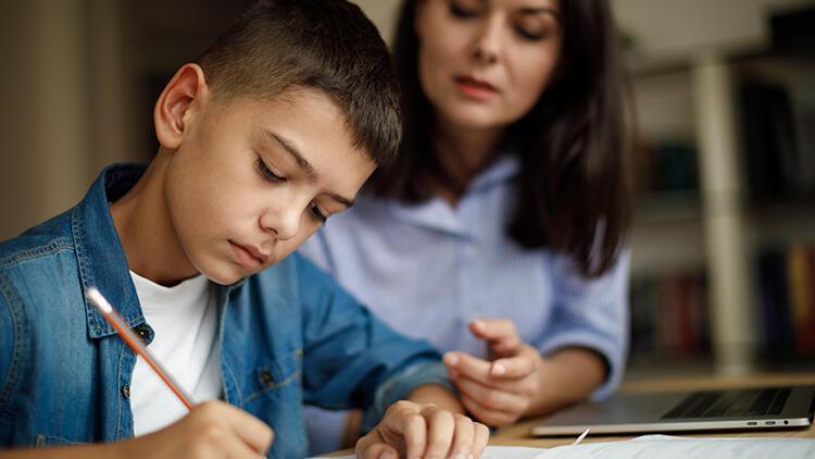 Çocuklarımızın ders dinlemesini nasıl sağlarız?