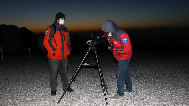 Gök cisimlerini izlemek için Erciyes Dağında toplandılar