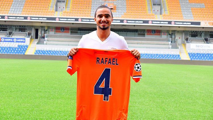 Son Dakika | Başakşehir forması giyen Rafael'den olay Van Gaal ve ırkçılık açıklamaları!
