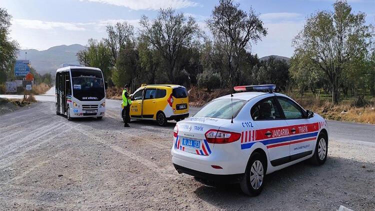 Balıkesirde jandarma sürücülere ceza yağdırdı