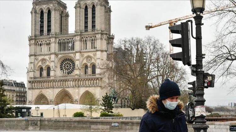 Fransada son 24 saatte 8 bin 51 Kovid-19koronavirüs vakası tespit edildi