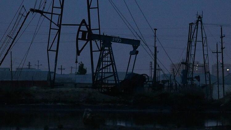 API: ABD petrol stokları 0.83 milyon varil düştü